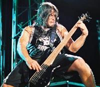Robert Trujillo: Metallica is Writing New Material