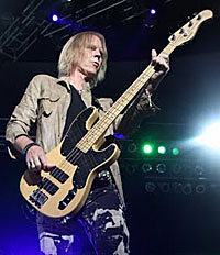 Tom Hamilton on Aerosmith Writing New Material, Planning Tour and Dreaming of Bass Player Idol