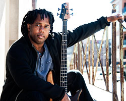 "Victor Wooten Offers Remastered ""Me & My Bass Guitar"" as Free Download"