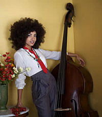 Esperanza Spalding to Perform At Grammys, Co-Host Pre-Telecast Ceremony