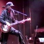"Les Claypool: ""Iowan Gal"", Live Bass Banjo Performance"