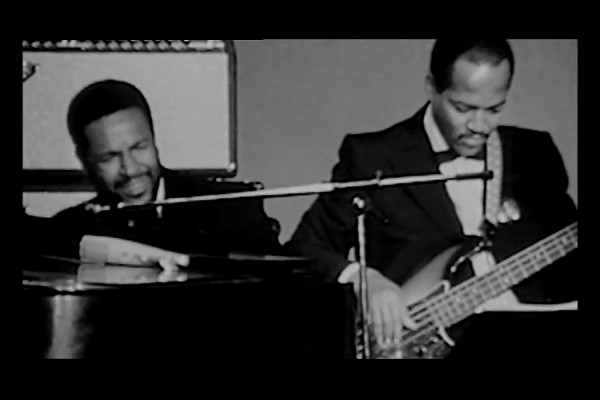 "Marvin Gaye & James Jamerson: ""What's Going On"" Isolated Vocals and Bass"