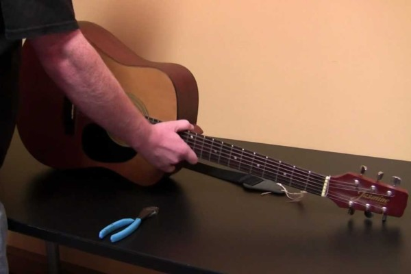 No Treble Originals: How to Fix a Guitar