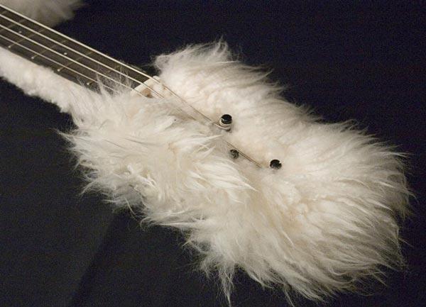 Bas-Extravaganza Fluffy Headstock