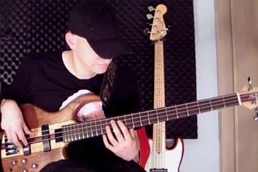 Or Lubianiker: Interactive Bass Licks Video Lesson
