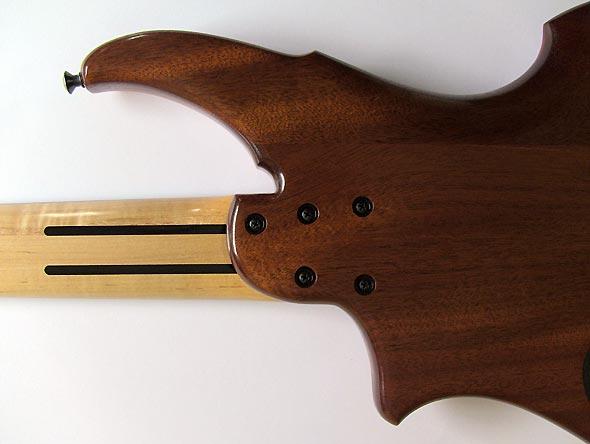 ML Basses Volcan Bass - neck bolts