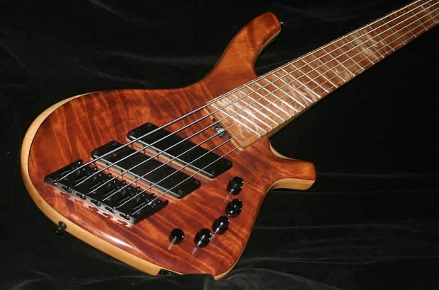 AC Guitars Skelf R Type Bass