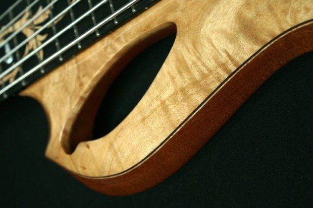 Aries Basses Senes Bass - horn cutout