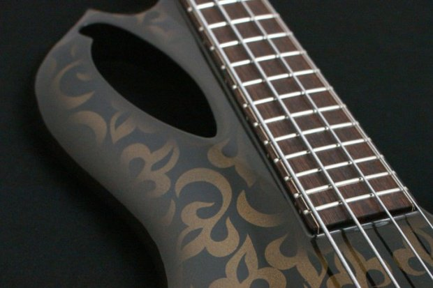 Aries Senes Bass - styling detail