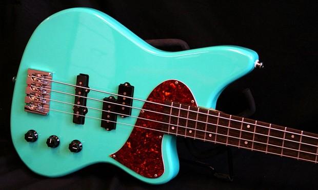 Kauer Guitars Daylighter Bass body
