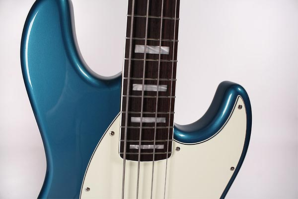 De Gier BeBop Bass - blue body closeup