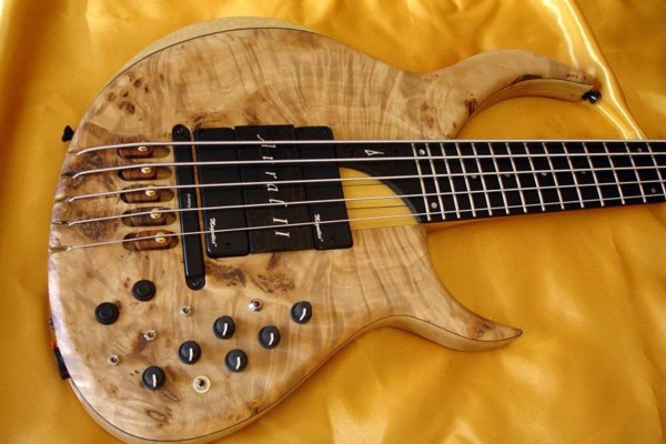 Bass of the Week: Aural II by Meridian Guitars