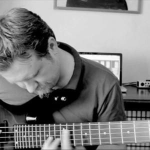 "Bass Battle: ""Breathe"" Live Looping"