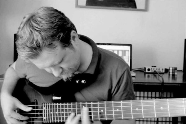 "Bass Battle: ""Breathe"" Live Looping"