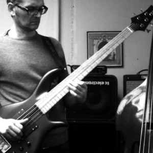 Improvising: Scale Substitutions for Bass