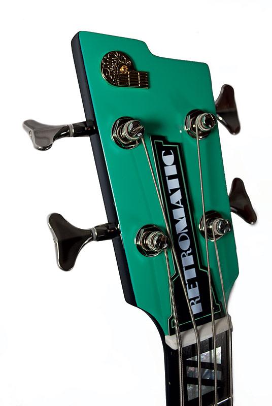 Peerless Guitars Retromatic B2 Bass headstock - Teal Green