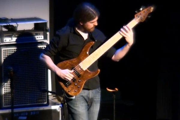 "Simon Fitzpatrick: ""Roundabout"" Live Solo Bass Performance"