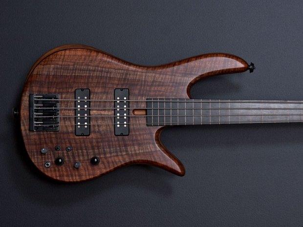 Fodera Monarch 4 Fretless Standard Bass - body