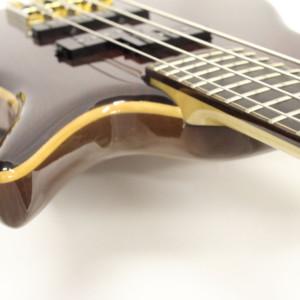 Bass of the Week: AV Basses AVB1