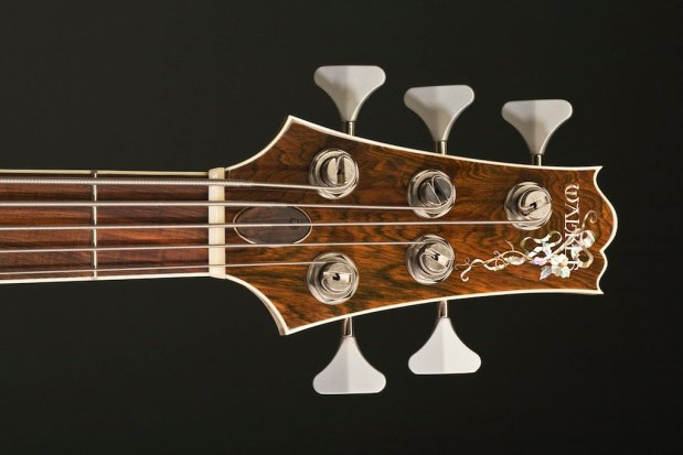 Scott Walker California Bass - 5-string headstock
