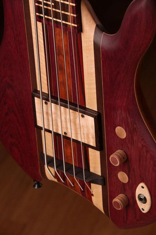 Zoov Guitars Classic 5 Bass - body