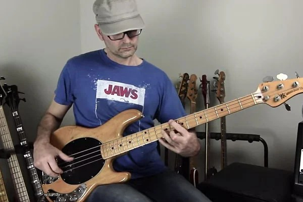 Lesson: Bass Groove with Harmonics and Double Stop Chords