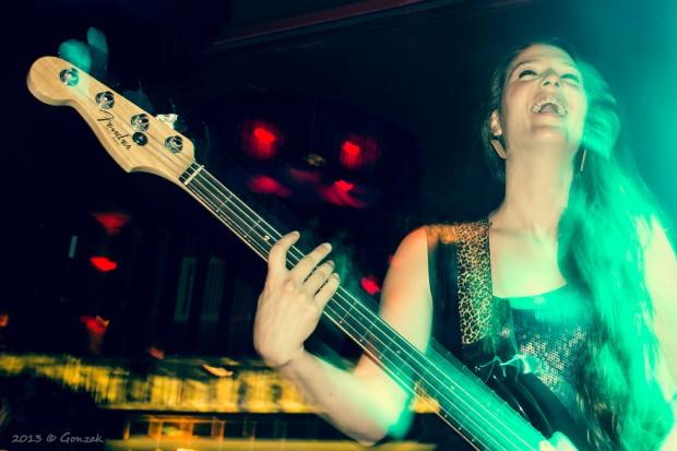 Music happiness by Gonzalo G. Useta