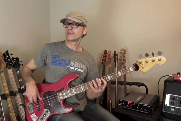 Bass Lick Series: Fat & Dirty Synth Bass Groove