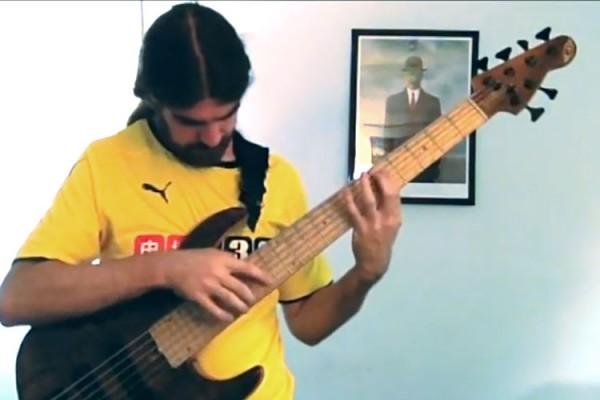 """Simon Fitzpatrick: """"Let It Go"""" Solo Bass Performance"""