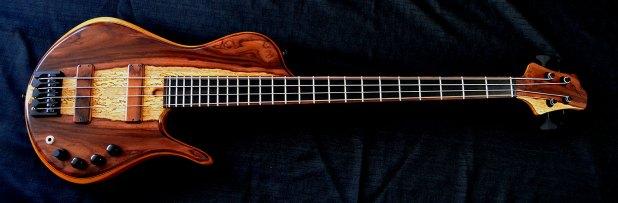 Ella Basses Isaac Singlecut 4-String Bass