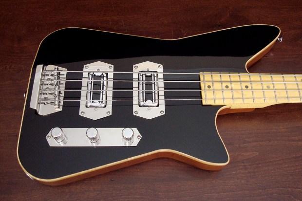 Lowe Custom Guitars Chromasonic 4-String Bass - body