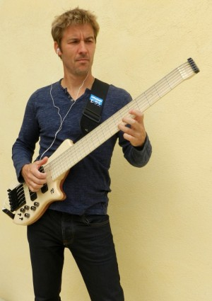Paul Lairat Travel Bass with Bassist