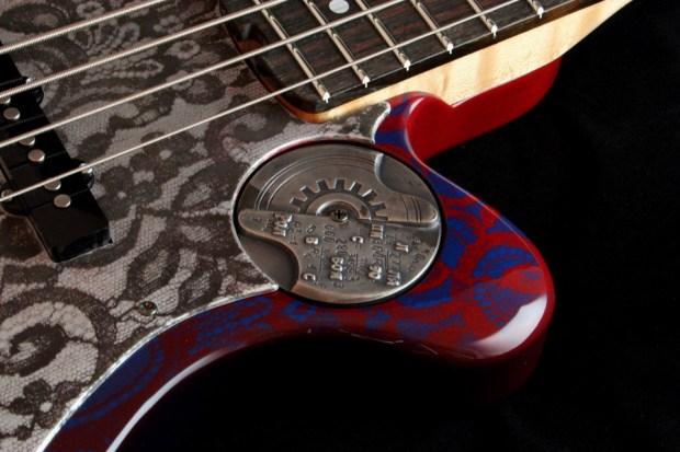 M-Tone Guitars Boki Bass - medallion