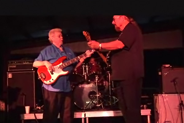 """Donald """"Duck"""" Dunn and Steve Cropper: Time is Tight (Final U.S. Performance)"""