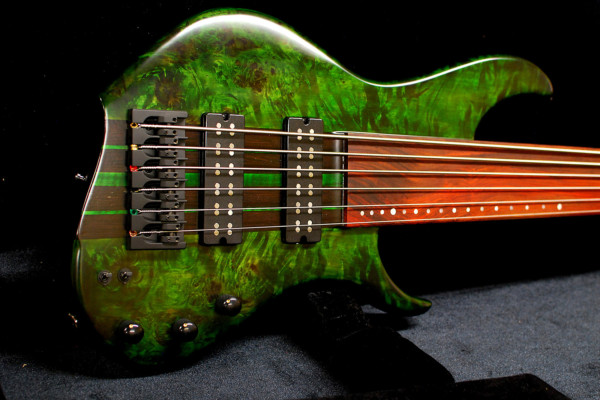 Bass of the Week: SiC Instruments Madness 6-String Fretless