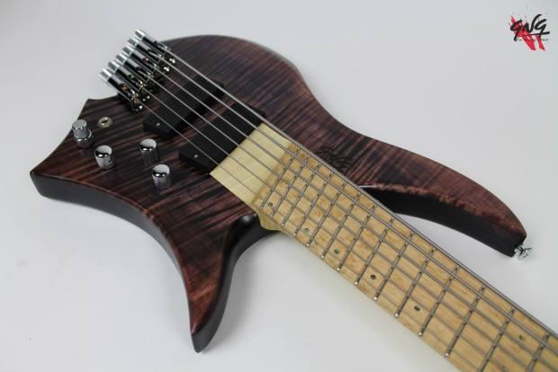 Negrini Guitars Fëanor JMS6 Body Angle