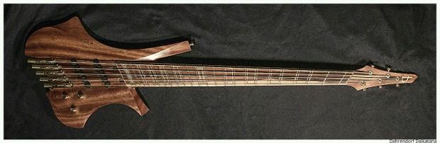 Dahrendorf Guitars Daikatana Bass