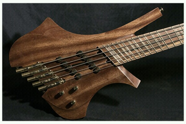 Dahrendorf Guitars Introduces Daikatana Bass