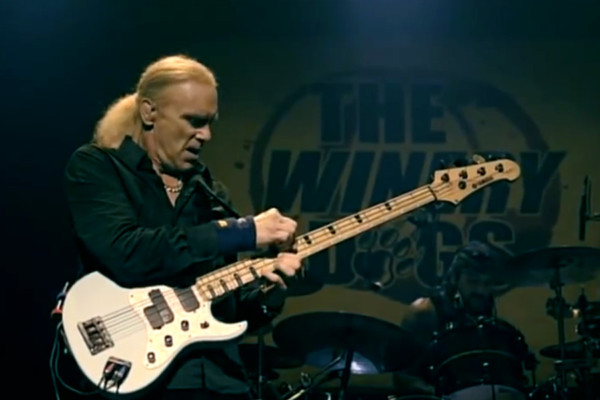 The Winery Dogs: You Saved Me (Live)