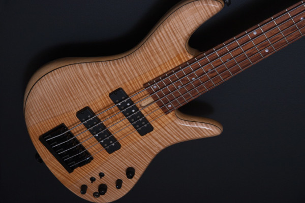 Fodera Unveils Lacewood Emperor 5 Deluxe Select