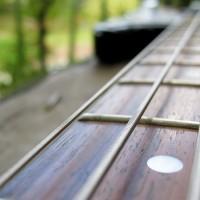Dealing with Dead Spots on the Fretboard