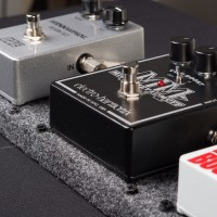 Pedalboard Supplies Introduces Pedal-Links Effect Mounting System