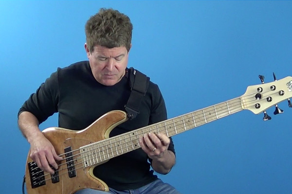 Advanced Bass: Chord Superimposition