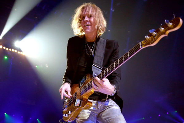 Tom Hamilton Joins Thin Lizzy