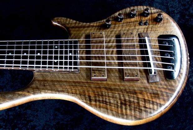 LedBelli Bass Guitars Majestic Bass Body Angle