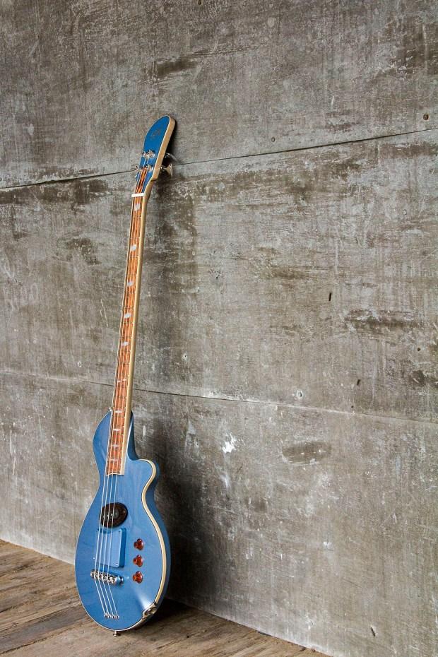 R. Hyde Guitars Long Scale Nuvo Bass Profile
