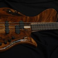 Bass of the Week: Maurizio ?ber Basses ?ber-Groove 4 Single Cut