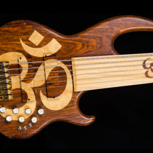 Bass of the Week: Conklin Guitars OM