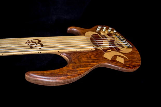Conklin Guitars Jason Everett Signature OM Bass Body Angle