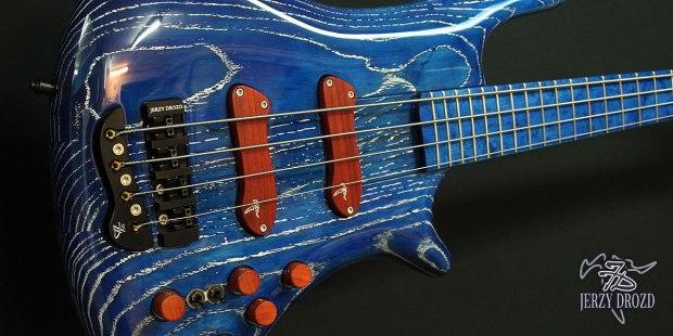 """Jerzy Drozd Soul IV """"Matisse"""" Bass Cobalt Blue Closeup"""